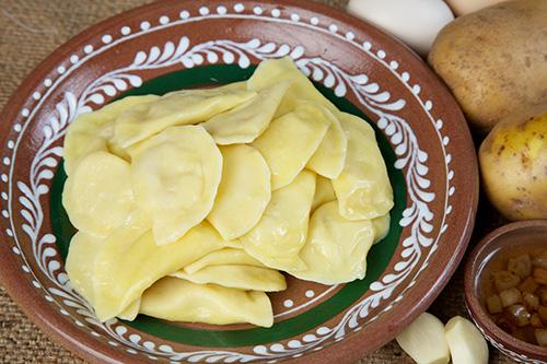Вареники с картофелем и шкварками, 150